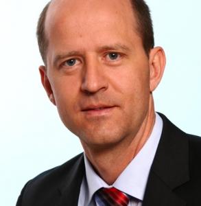 Dr. Gerhard Lang